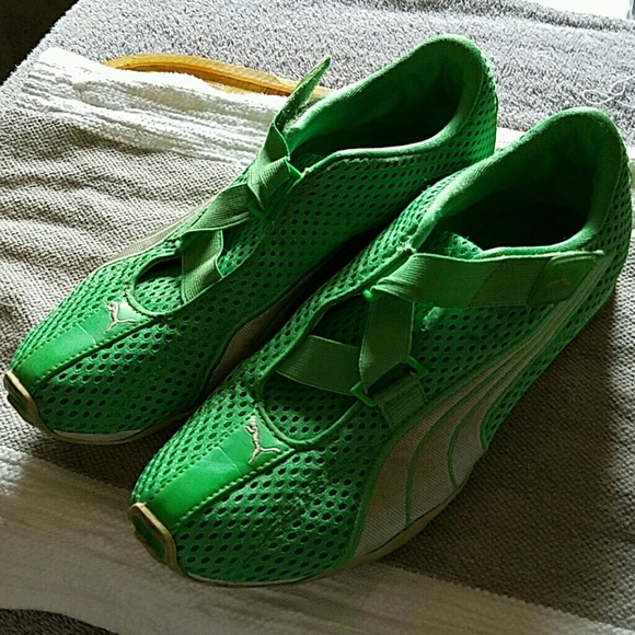 Puma Lime green Velcro Shoes no laces sz9. M 574b8e0f7f0a05073904f19c bca7b2d956