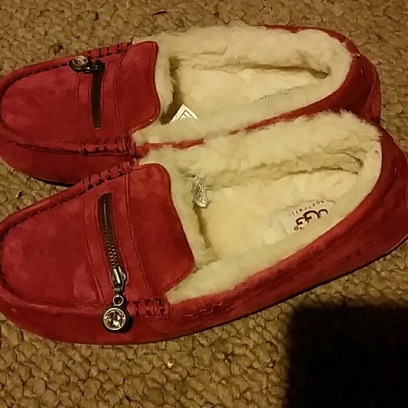 acecaa7f97c Uggs! Ansley Charm moccasins shoes Size 7 new