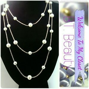 Jewelry - Beautiful Long Silver Tone and Faux Pearl Necklace