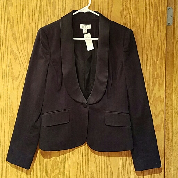 LOFT Jackets & Blazers - NWT LOFT black blazer with satin lapel sz 8