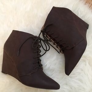 Lace Up Pointed Toe Ankle Booties