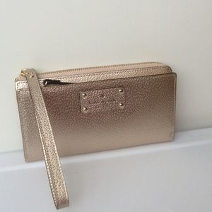 NWT Kate spade Wellesley Layton wristlets/wallet