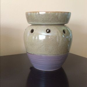 Brand New In Box Scentsy Mid-Size Warmer
