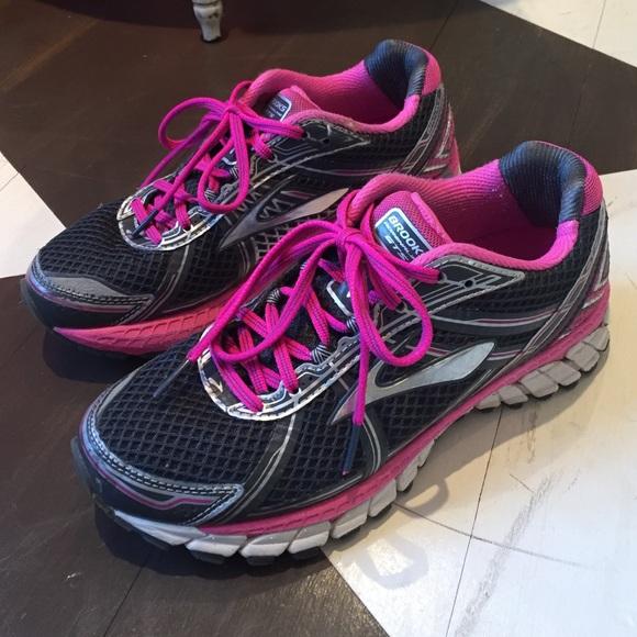 Brooks Shoes - Brooks Adrenaline GTS gym shoes