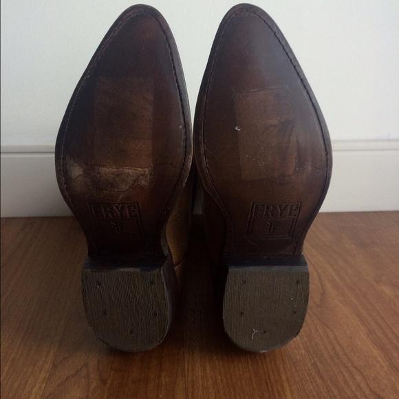 Kelly Frye Shoe Size