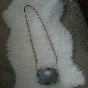 Michael Kors Handbags - 💯MK Crossbody💯