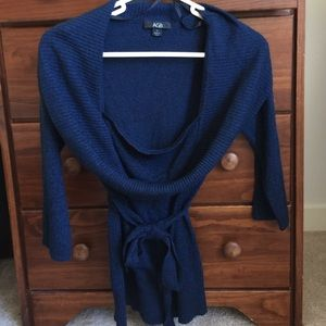 AGB Sweaters - Navy sweater with scoop neck and tie at waist
