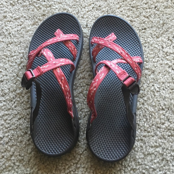 8fb5e0b3852 Chaco Shoes - LIKE NEW Slip-on Chaco sandals w  ecotread soles