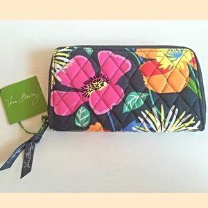 Vera Bradley Handbags - 🆑 Vera Bradley Floral Accordion Wallet