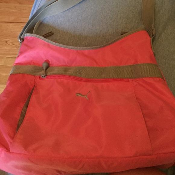 3c645dcdd96 🎉sale🎉 Puma bag! M 574ca199680278b70506c8d4