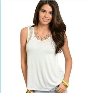 Tops - 🌺bogo🌺Cream tank top with beading on sleeves