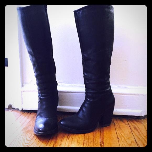 1dbc736054b Steve Madden Carrter Black Leather Boots 6.5. M 574ca83d13302a1c0e06ddc2