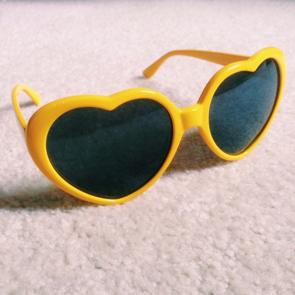 7989212e17 Cici Accessories - 💛 heart shaped sunglasses