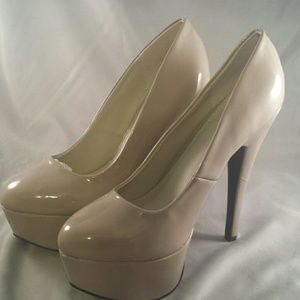 Qupid Shoes - New Taupe High Heel Shoe