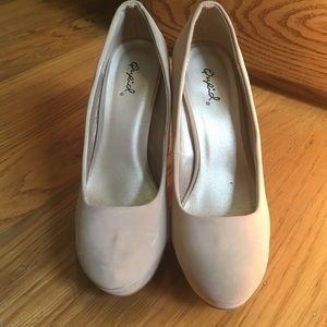 Qupid Shoes - Tan Qupid Pumps