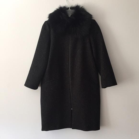 Black zara coat with fur collar