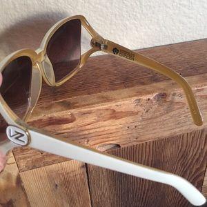 Von Zipper Accessories - Oversized Von Zipped sunglasses