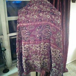 Accessories - Gorgeous scarf wrap.has  gold thread through it.