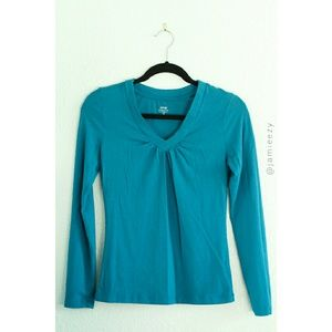Apt. 9 | Ruched V-Neck Long Sleeve Top