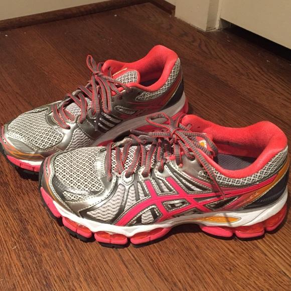 Women's Coral Asics Gel Nimbus 15 Running Shoes, 8