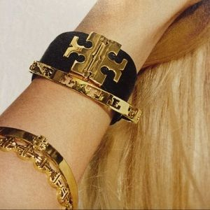 ⚡️FLASH SALE⚡️Tory Burch Black T Hinge Bracelet