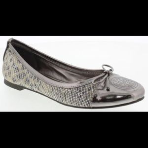 ⚡️FLASH SALE⚡️ Tory Burch Snake Skin Silver Flats