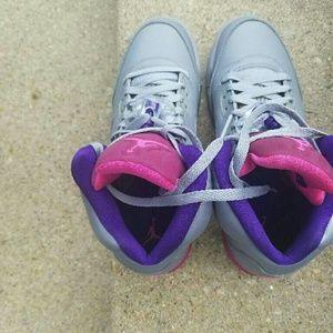 Shoes - Air jordan retro 5 girls grade school sz