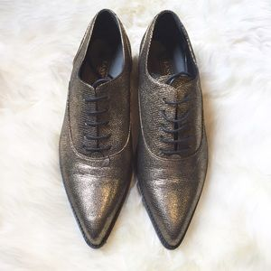 Lanvin Shoes - Lanvin Gold Pointed Toe Oxfords