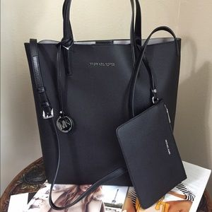 Brand New Michael Kors Large Tote and Wristlet