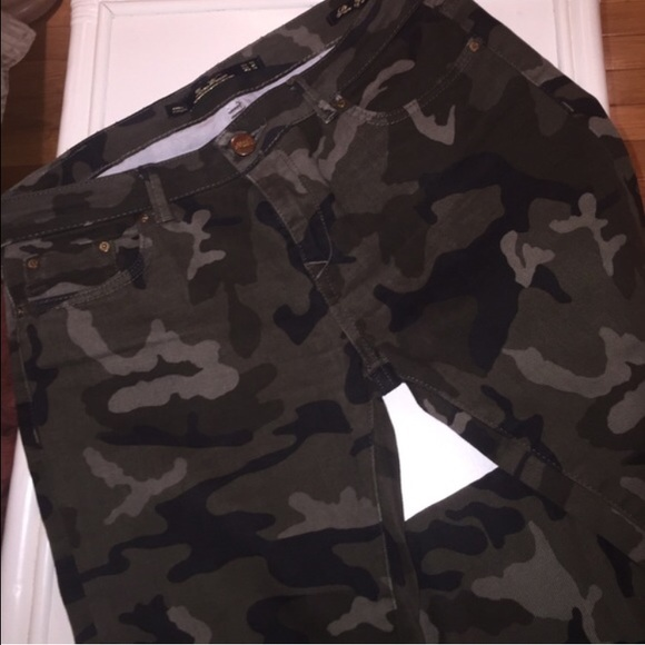 f5631630f7773 Zara Jeans   Skinny Camo Army Fatigue Premium Denim   Poshmark
