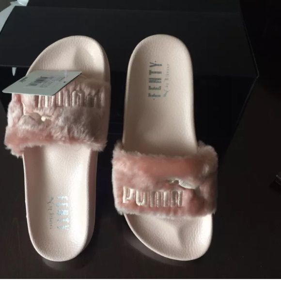separation shoes 77994 34be2 Puma fenty by Rihanna slides PINK.