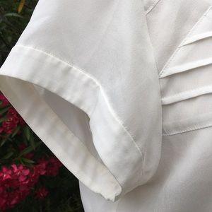 J. Crew Tops - 🎉HOST PICK🎉J.Crew Short Sleeve White Blouse