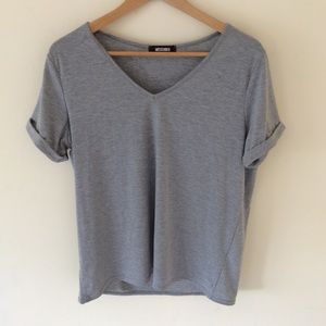 Missguided Gray V-Neck Tee size 8/small