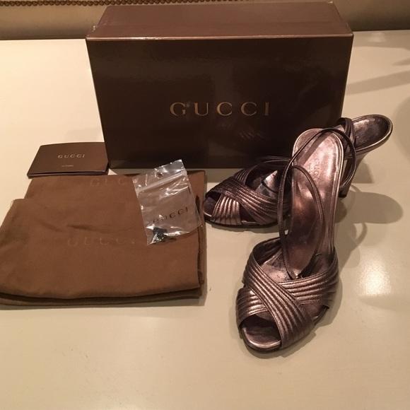 f6f4239ae2f7 Gucci Strappy Sandals 37. M 574e13092de5128ad7000f7b