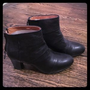 Brand New Unworn Kenneth Cole Gentle Souls Booties