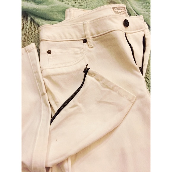 Converse Denim - NWOT CONVERSE ONE STAR WHITE JEANS W/ANKLE ZIP