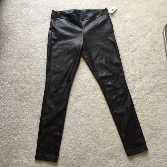 7ea134d3e4dc13 GAP faux leather leggings. M_574ef40ed14d7bb4a000279f