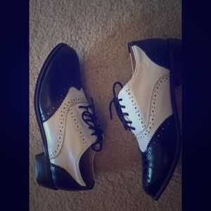 Shoes - Black & White Brogues/Oxford Shoes