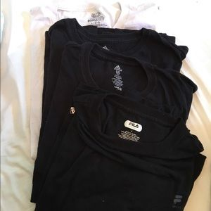 Pack of 4 men's multi sized t-shirts!