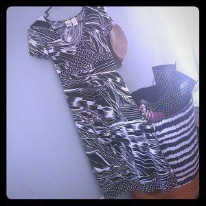 Size Small Maternity Dress BEAUTIFUL!