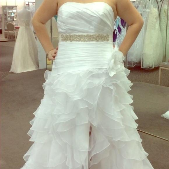580af6c370ffa Davids bridal high-low wedding dress new with tags. NWT