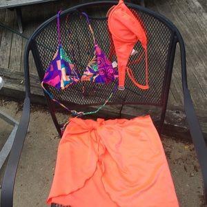 2 bikini tops with matching sarong