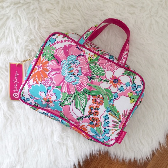 1dbb8272742d Lilly Pulitzer for Target Nosey Posey Make Up Tote