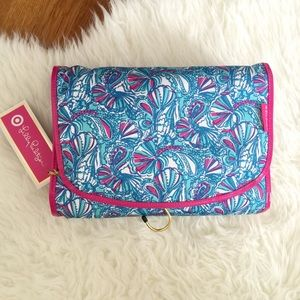 Lilly Pulitzer Handbags - Lilly Pulitzer for Target My Fans Make Up tote