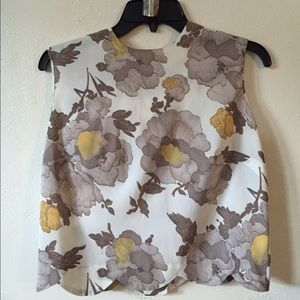 Vintage Scalloped Edge Floral Top