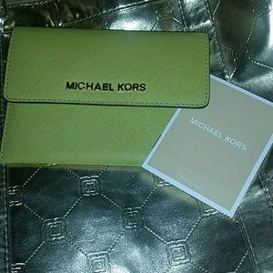 Michael Kors wallet summer green