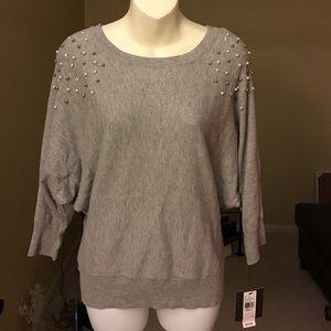 Grey sweater. Size (S)