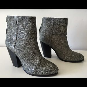 RAG & BONE NEWBURY SILVER TEXTURED LEATHER BOOTIES