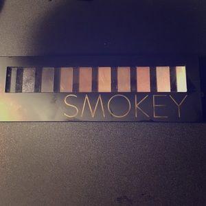 smokey eye shadow palette