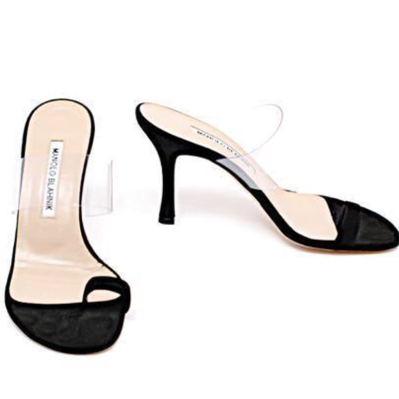 14bf988183e64 MANOLO BLAHNIK Thong Sandal Heel JENNIE BLACK